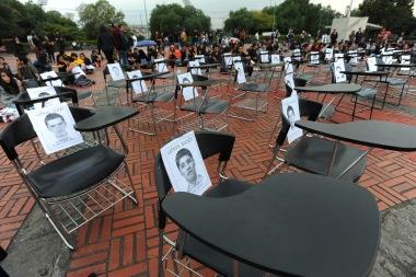 Rectoria_Apoyo_Ayotzinapa-2